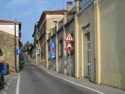 Tovarniška ulica - Via della fabbrica