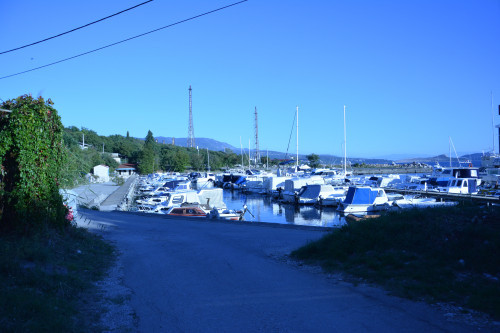 Small port Podurinj