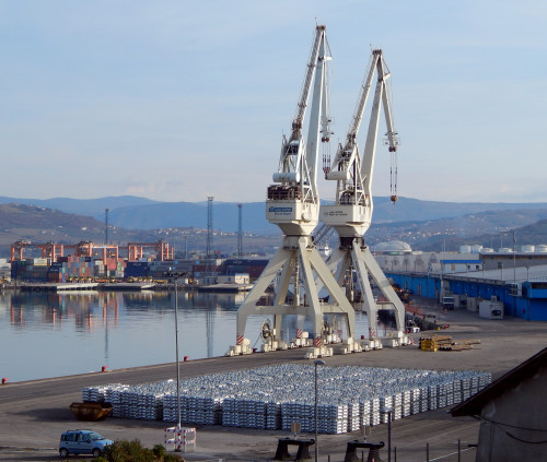 "Port ""Metalna Maribor"" grab crane"