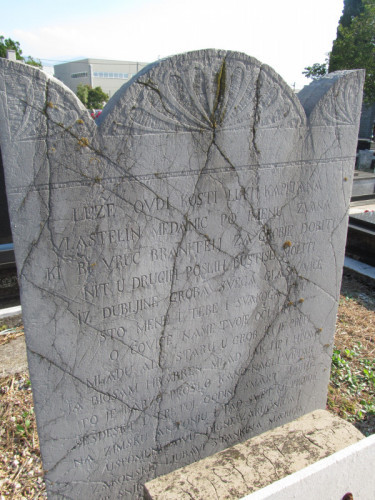 Lapide dedicata a Luka Medanić